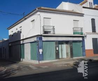 premises for sale in pilas